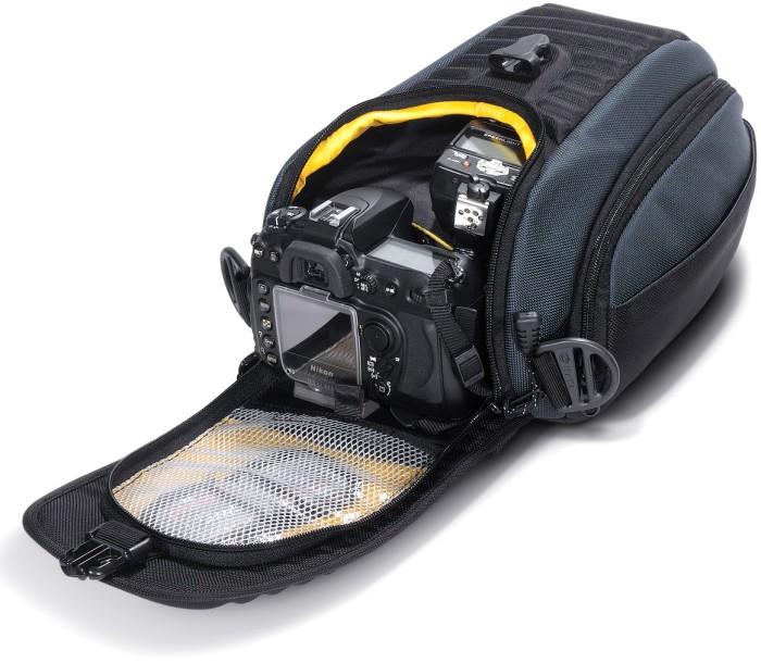 Треугольная фотосумка, обеспечивающая максимальную степень защиты фотокамеры.